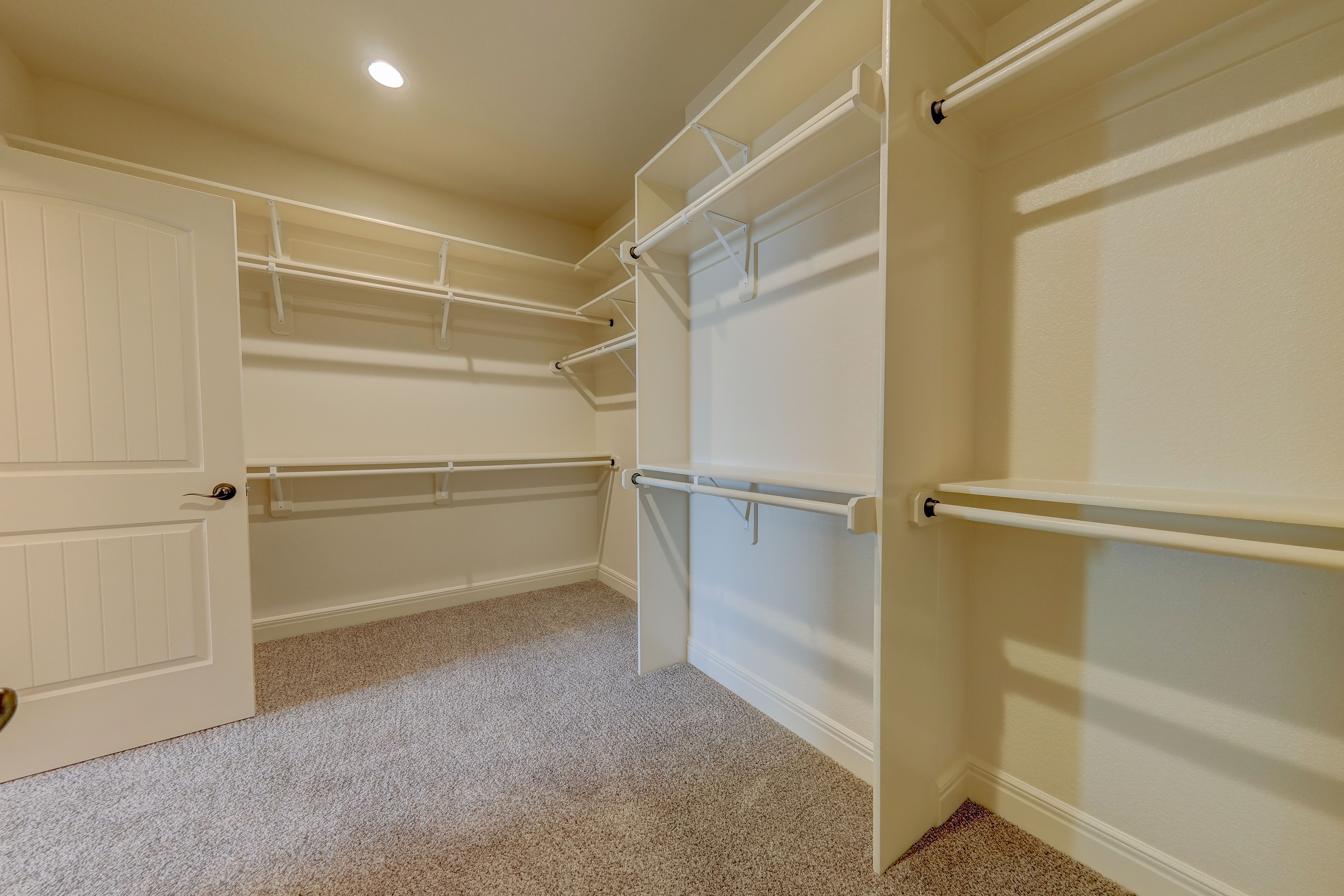 Sweetwater Creek New Homes in Spring Hill, KS The Clearbrook Master Closet