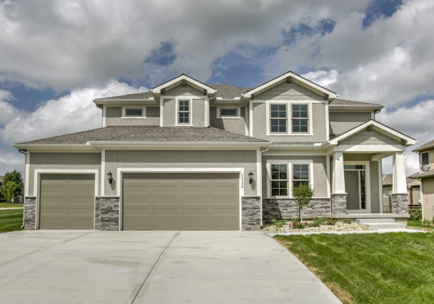 Sweetwater Creek New Homes in Spring Hill, KS The Creekwood Front Elevation