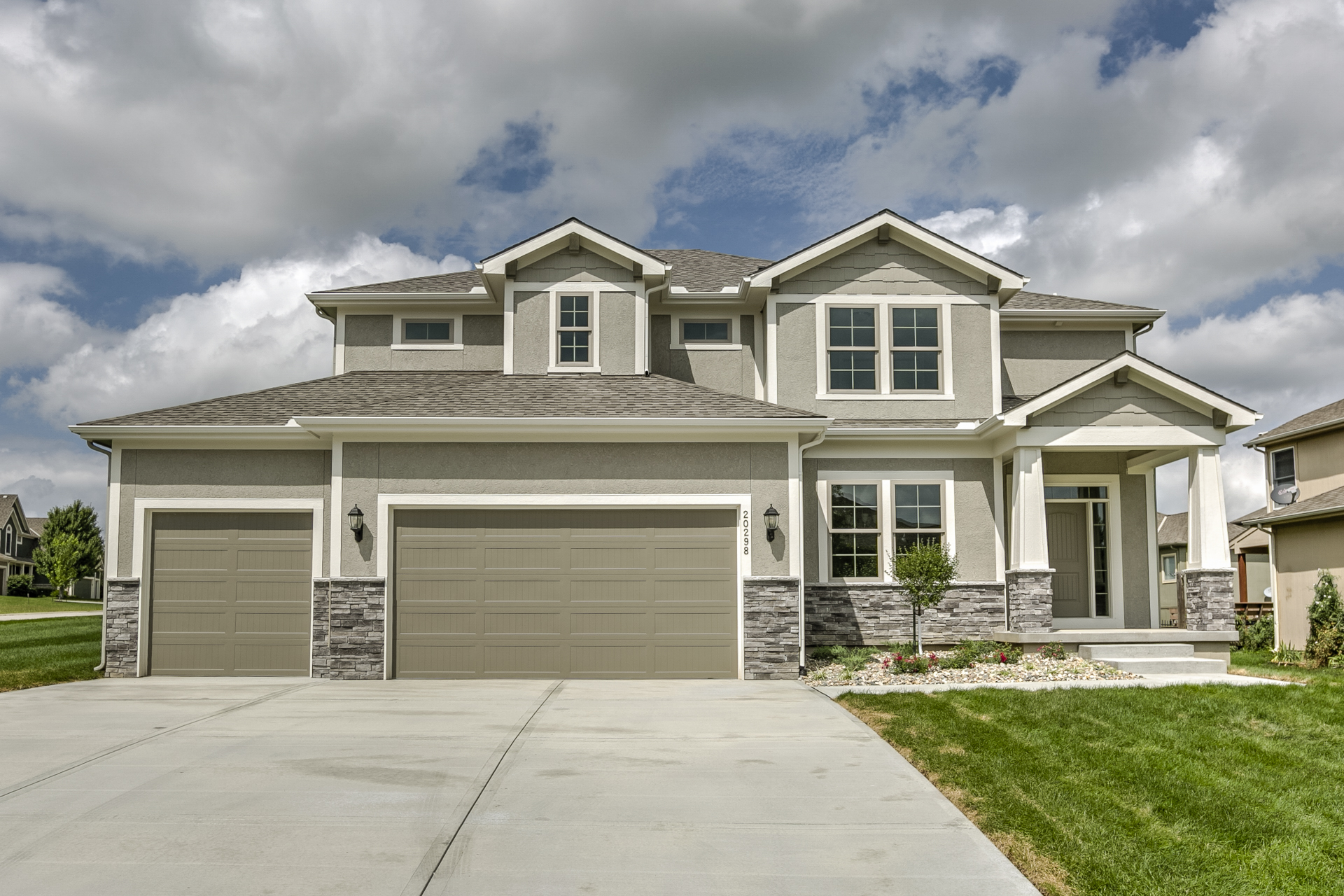 Sweetwater Creek New Homes in Spring Hill, KS Front Elevation