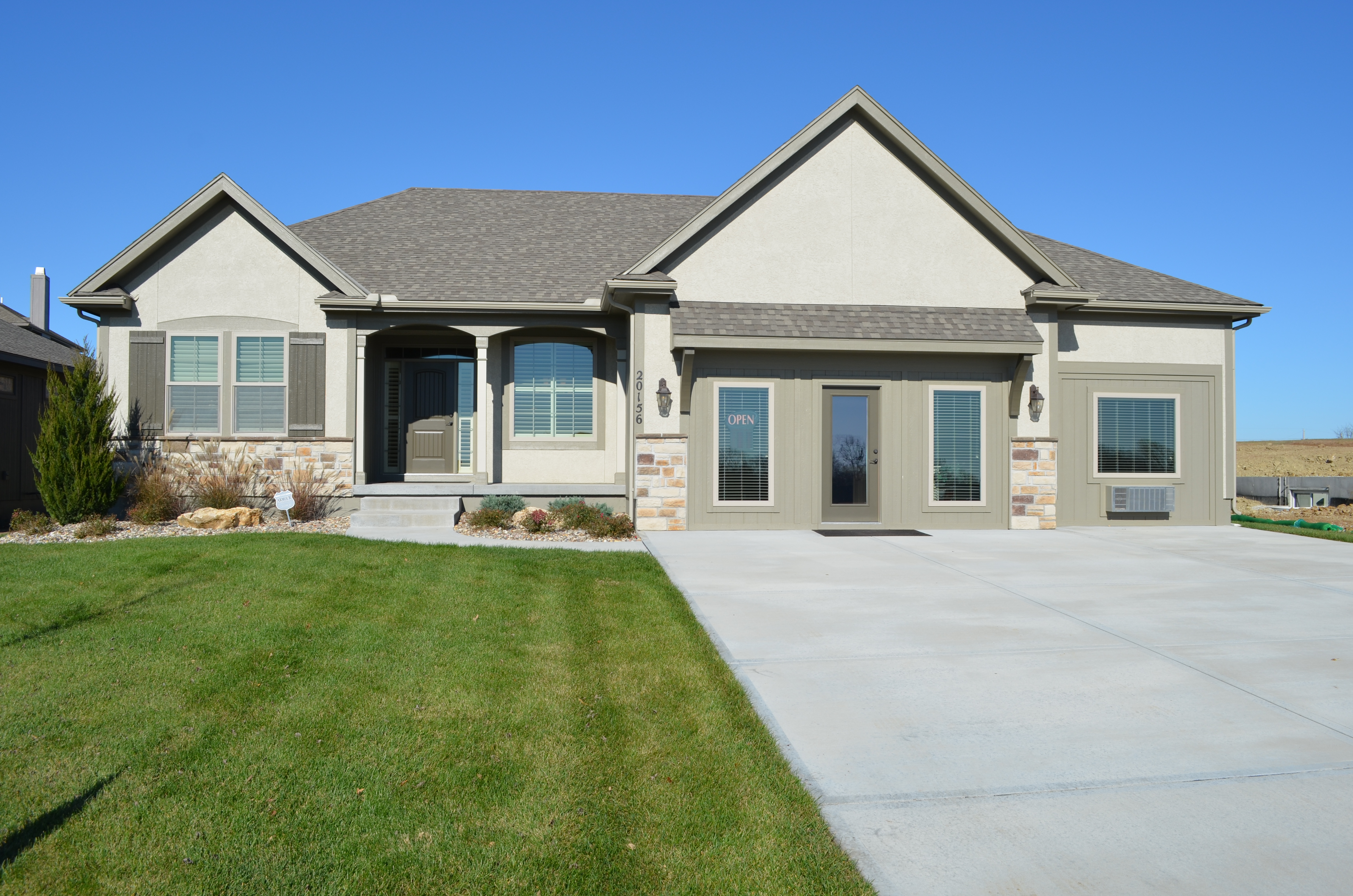 Sweetwater Creek New Homes in Spring Hill, KS The Clearbrook Front Elevation